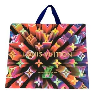 Louis Vuitton holiday 2019 paper shopping bag